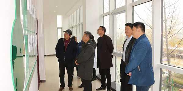 安徽优秀企业家代表及知名书画家莅临兰堡湾参观考察