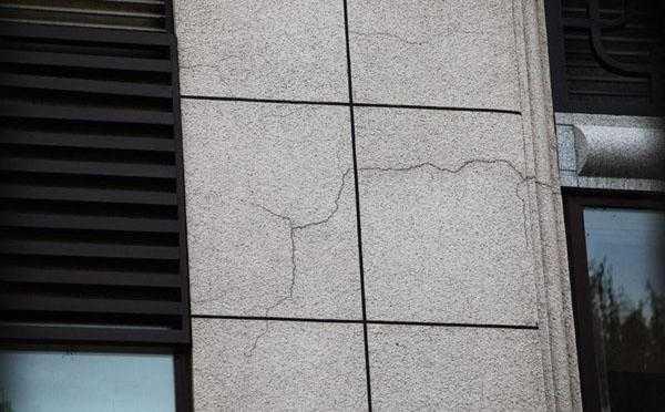 如果使用了劣质量的真石漆容易出现哪些问题?【河南真石漆厂家知识讲堂】